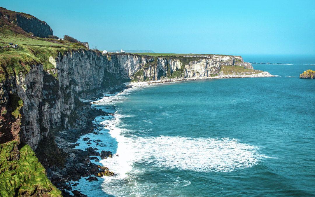 Wandelen langs de Ierse kust